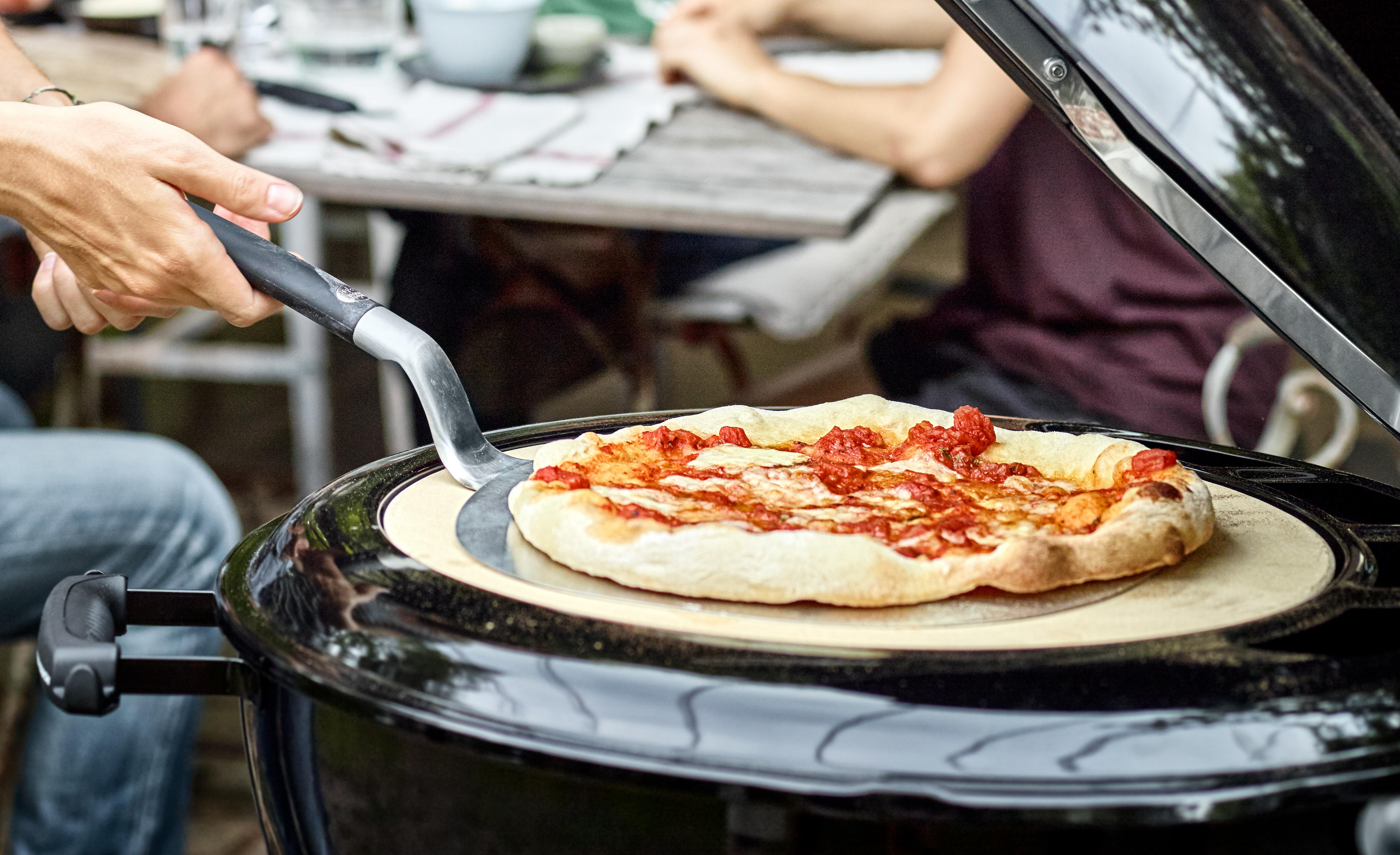 Pizzastein Für Elektrogrill Weber : Pizzastein reinigen so machst du es richtig
