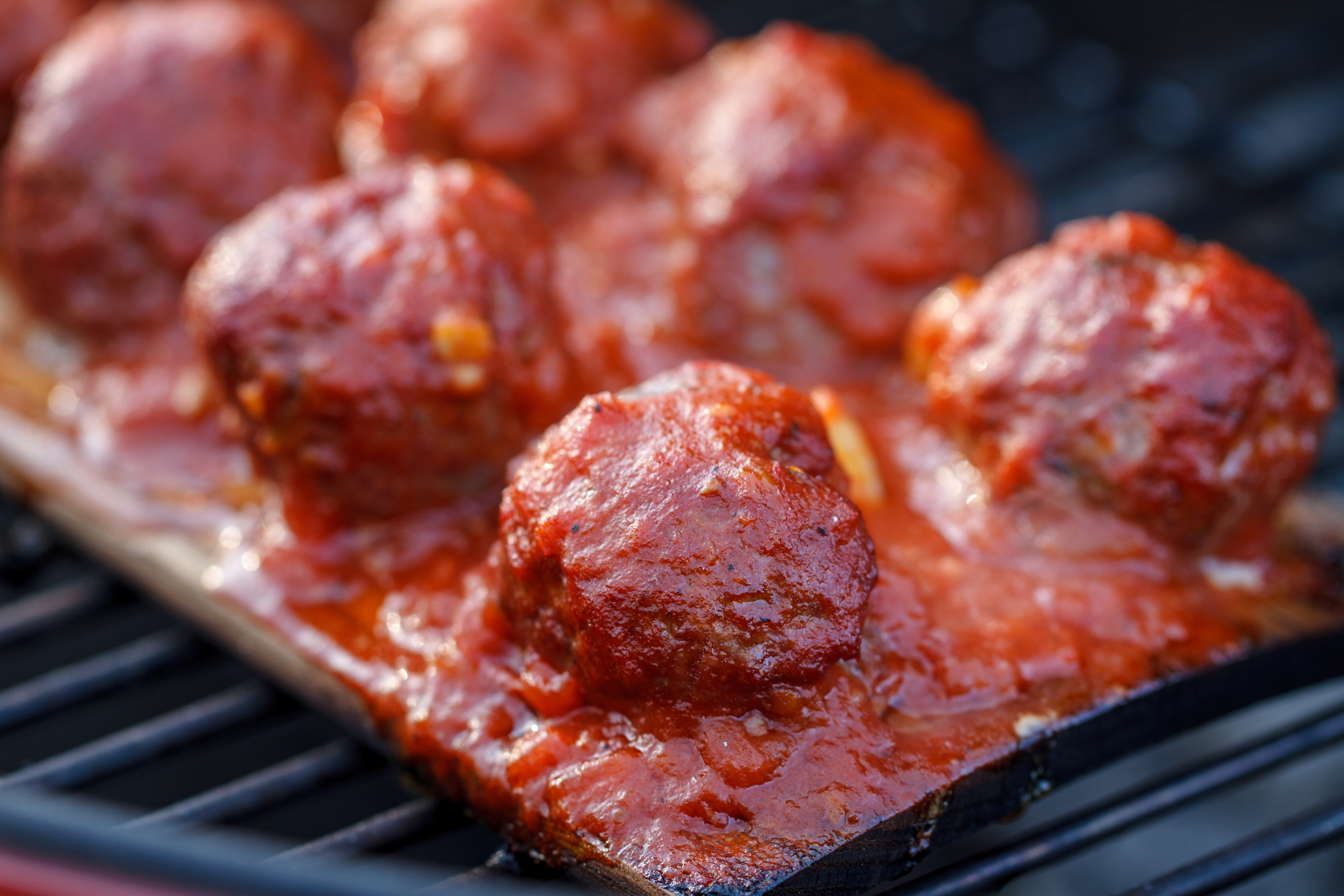 Planked Meatballs With Marinara Sauce 1