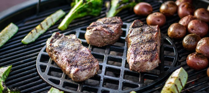 Steaks On Weber Summit Charcoal Grill Sear Grate 2