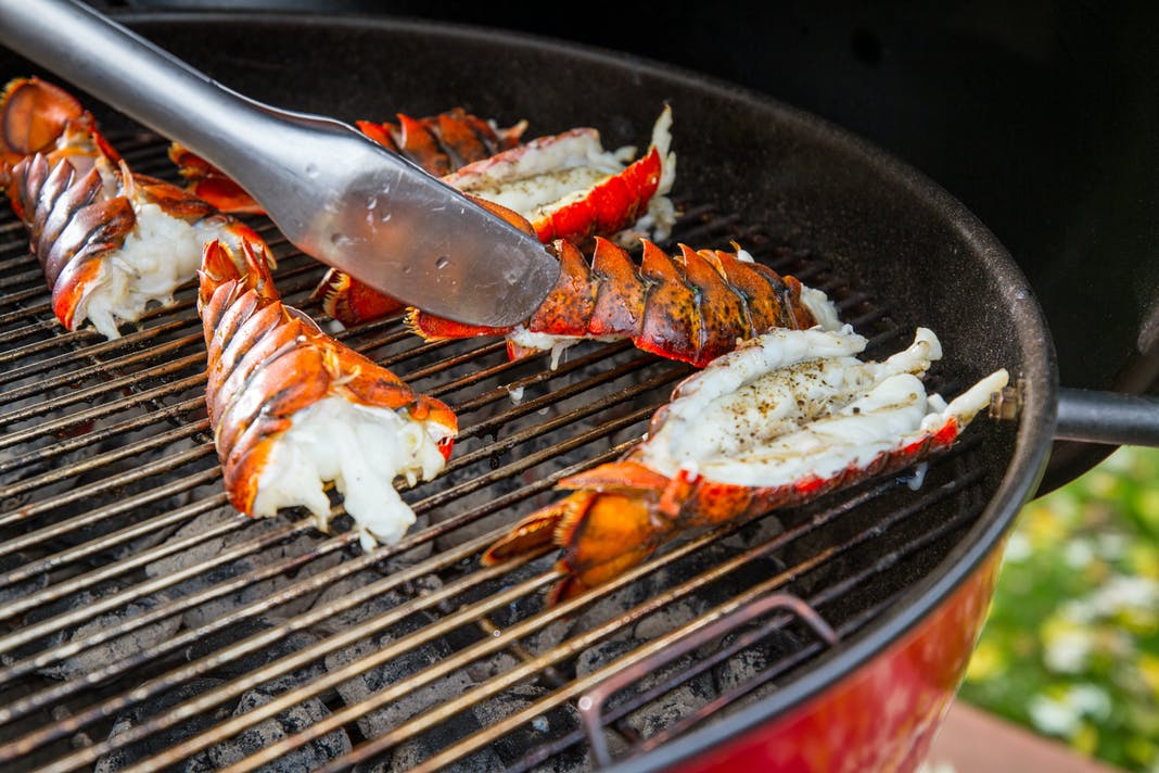 how to cook a lobster tail on the grill