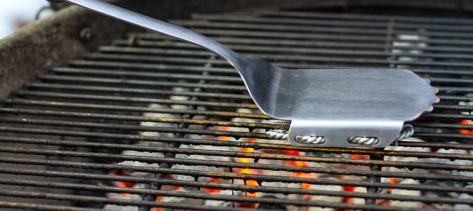 Cleaning Your Stainless Steel Cooking Grates