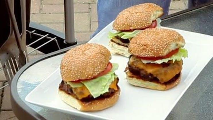 2013 04 03 00 17 57 Burger