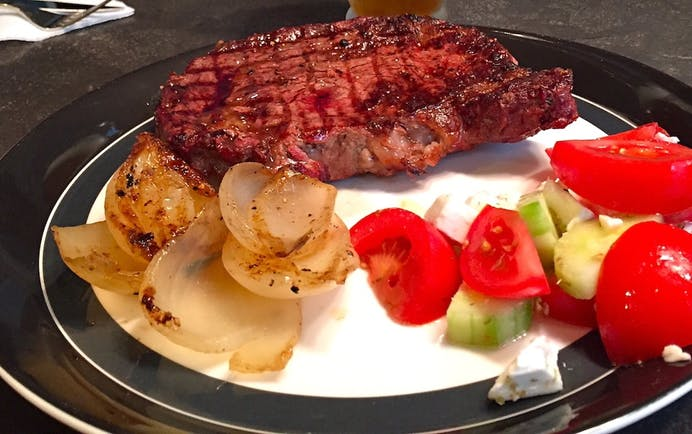 5595657Bef9C4 Holzkopf Side Pairing  Photo Melting Onions With Ribeye On The Grill Plated Copy