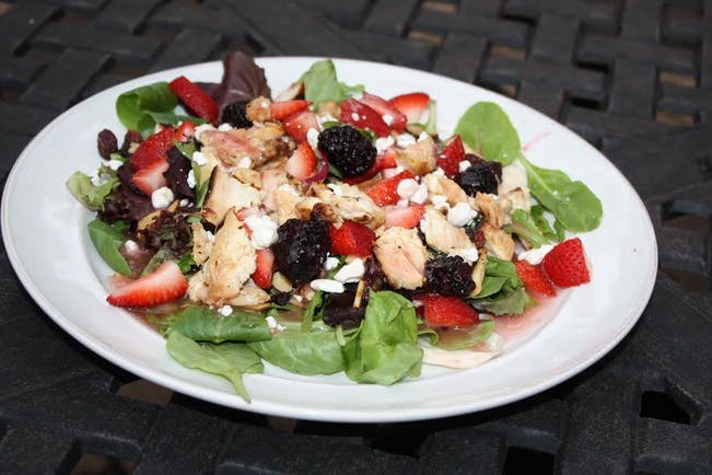 560D8634E19A1 2015 10 Week 3 Easy Hammarlund  Grilled  Chicken  Salad  Photo 1