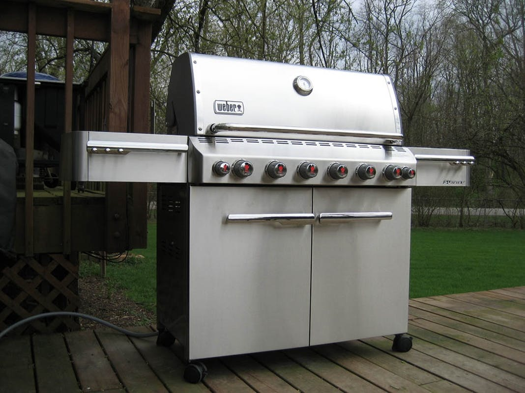 Need Help Replacing Parts on Your Grill? Service Agents Can Help