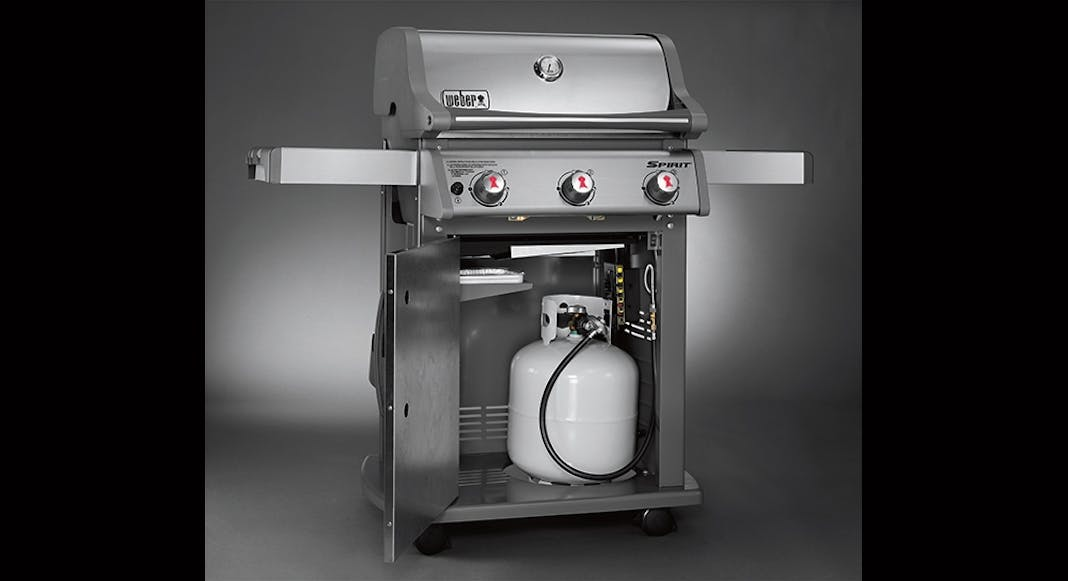 How do i hook up propane tank to grill