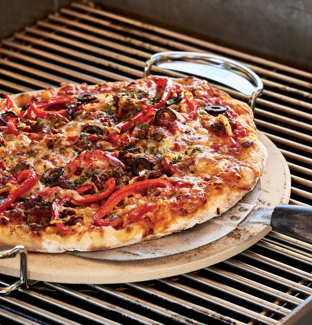 How To Grill An Awesome Pizza On Your Grill Grilling