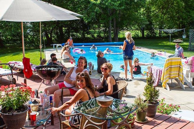 59A55Df12Daa5  Pool  People 1000