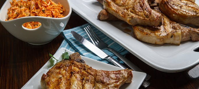 5A5667E5Ce599  Spice  Crusted  Pork  Chops 1000