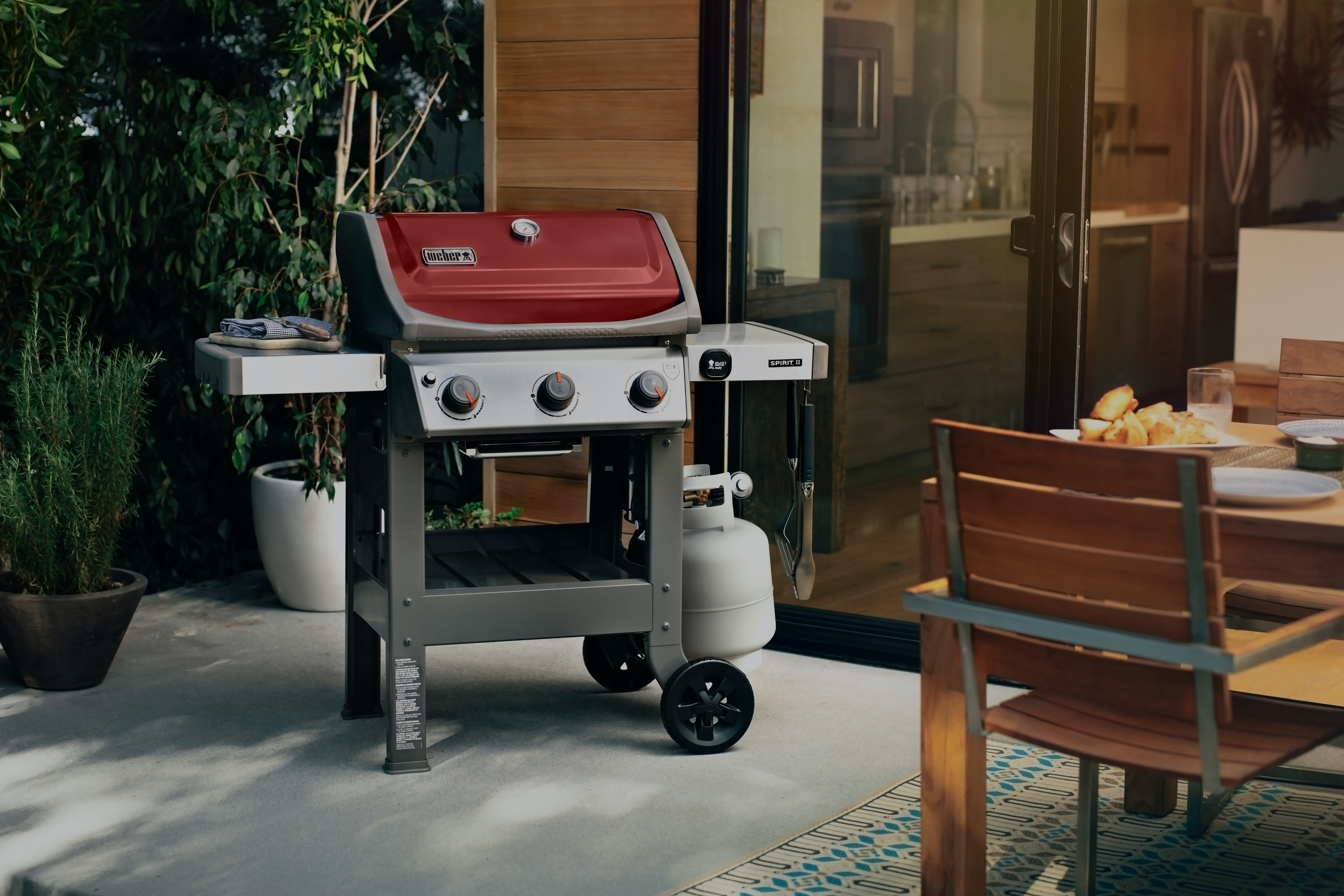 The Spirit II Gas Grill Series