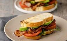 Bacon Tomaten Und Avocado Sandwiches Mit Scharfer Mayo