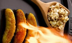 Bananes Flambees Bourbon Popcorn Au Caramel Barbecues Weber C Photo Rougereau Bd