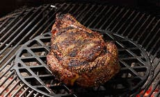 Cote De Boeuf Frottee Barbecues Weber C Photo Rougereau Bd