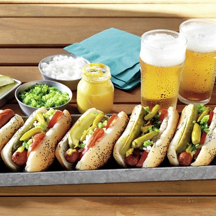 Chicago Style Hot Dog Rezept Des Monats Weber Rezepte