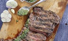 Flank Steak Mit Argentinischer Chimichurri Sauce Webers Basics S 14