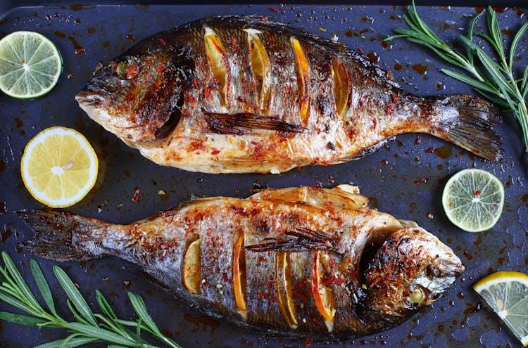 Jamaikanisch gegrillter Fisch | Fisch und Schalentiere