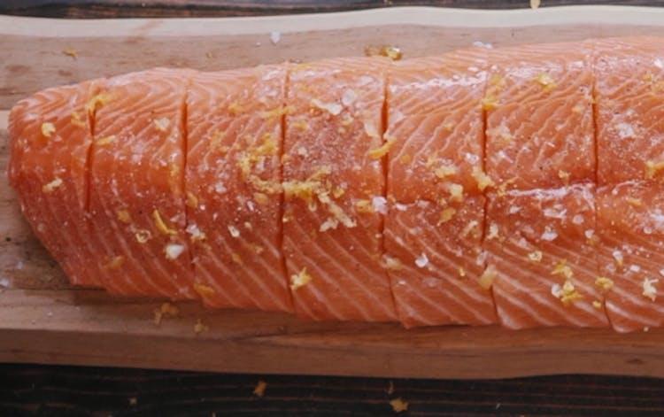 Weber Elektrogrill Lachs : Lachsfilet mit pilzen und zitronen thymian butter fisch und