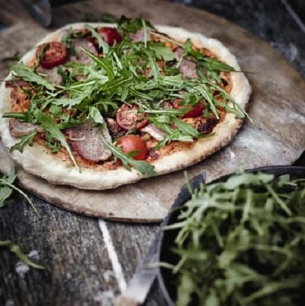 Weber Elektrogrill Pizzastein : Klassische italienische pizza pizza und brot weber rezepte