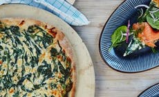 Pizza With Smoked Salmon And Creamed Spinach Featured 346X318