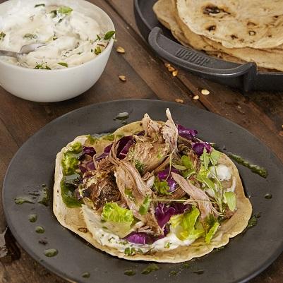 Weber Outdoor Küche Rezepte : Pulled lamb mit minz tzatziki und fladenbrot rezepte der woche