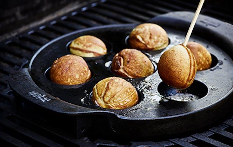 Frisk Klassiske æbleskiver | Desserter | Weber Opskrifter FF-64