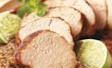 Lombo De Porco Panado Acompanhado De Molho De Tomate Assado