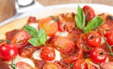 Pizza Aux Deux Tomates