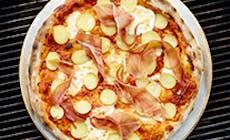 Pizza Con Jamon Curado Y Patatas