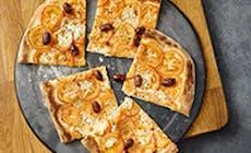 Pizza Con Tomate Y Ajo