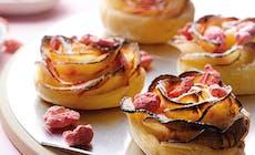 Roses De Pommes A La Praline Rose