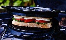 Sandwich Med Tomat  Pesto Och Mozzarella