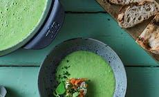 Soupe Aux Pois Verts Avec Saumon Fume Et Ciboulette